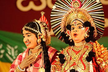 http://www.indianetzone.com/photos_gallery/12/KarnatakaArt_10542.jpg
