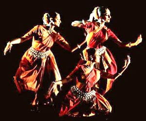 Madhavi Mudgal's brilliant choreography for the Gandharva Mahavidyalaya Repertoire created a contemporary feel while using the traditional syllabus