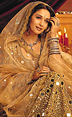 Costume of Madhuri dixit in Devdas