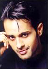 Manoj Bidvai aka Nikhil Mittal