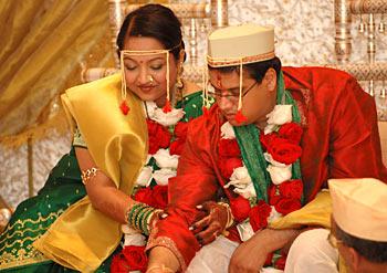 http://www.indianetzone.com/photos_gallery/14/mahawedd_857.jpg