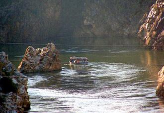 Navigation Along The River Narmada, Indian River