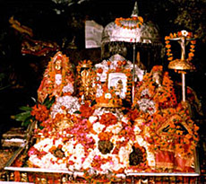 Mata Vaishnodevi Temple - Pindis inside the Cave