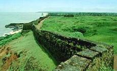 Puthalam Forts