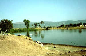 Tomol (Punjab), water reservoir 13 km west of Rawalpindi