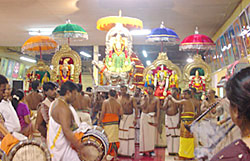 Varushapirappu , Tamil New Year