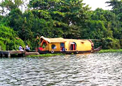Alappuzha town, Western side of Vembanad Lake