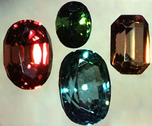 Zircon, Gemstones