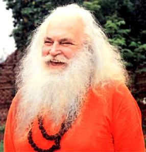 Yogamaharishi Dr. Swami Gitananda Giri Guru Maharaj