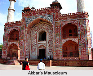Akbar`s Mausoleum at Sikandra near Agra, Islamic Architecture