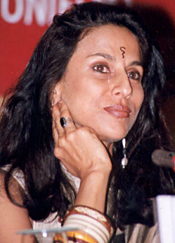 Shobha De