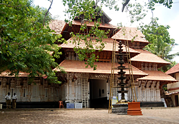 Vadakkunnatha Temple, Architecture In South India
