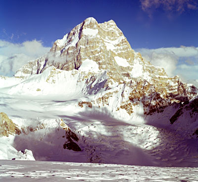 Saltoro Kangri Peak - Eastern Karakoram Range, Indian Himalayan Regions