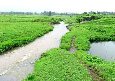 Ulhas river, which is flowing through the city Ulhasnagar, Maharashtra