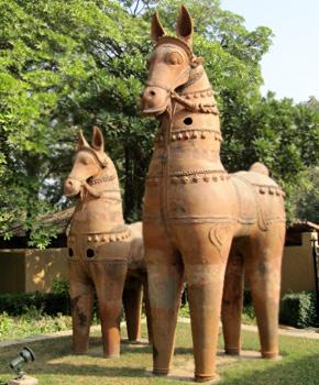 Ayanaar horses