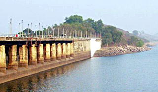 Tilayia  Dam - DVC`s first dam across the Barakar river at Tilayia