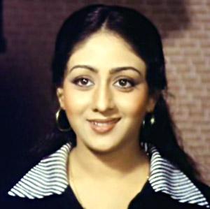 Old bollywood actress photos itimes for Old indian actress photos