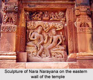 Sculpture of Nara Narayana on the eastern wall of the temple