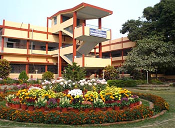 Barrackpore Rastraguru Surendranath College, Kolkata - The Premises of 6, Riverside Road