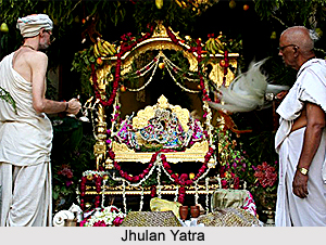 Famous Jhulan Yatra Pictures for free download