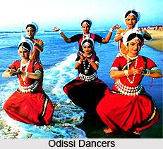 Indian Odissi dancers