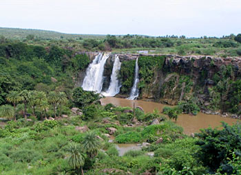 Ettipothala Waterfall