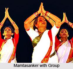 Mamata Shankar Ballet Troupe, Indian Dance Academy