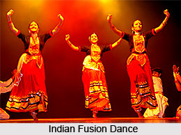Mamata Shankar Ballet Troupe, Indian Dance Academy