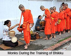 Bhikku, Dhammapada