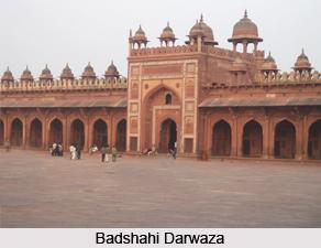 Badshahi Darwaza