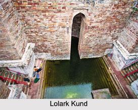 Kunds in Varanasi