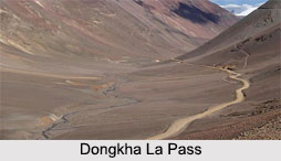 Dongkha La Pass, Himalayan Mountain Range