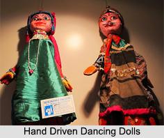 Hand Driven Dancing Dolls, West Bengal