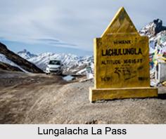 Lungalacha La Pass, Himalayan Mountain Range