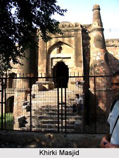 Khirki Masjid, Islamic Architecture