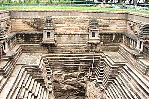 Architecture in Western Chalukya Dynasty - Stepped well in Lakhundi