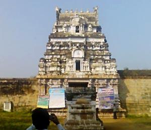Pazhayarai temple Kumbakonam, South India