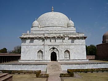Tomb of Hoshang Shah