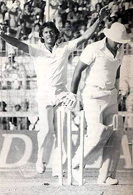 Sunil Gavaskar In India Pakistan Match, 1982  was faced with Imran Khan as the rival captain