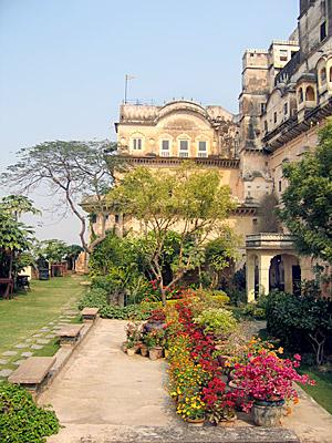 Neemrana Fort Palace Hotel