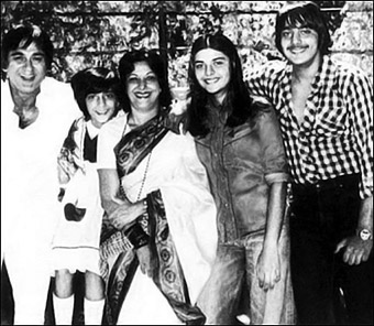 Sunil Dutt and Family - The Mohyals