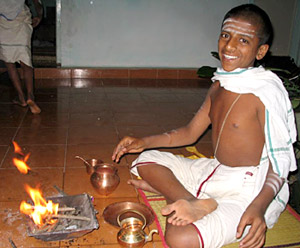 Brahmin perform the homam