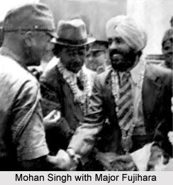 Mohan Singh with Major Fujihara