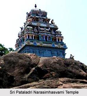 Architecture of Sri Pataladri Narasimhasvami Temple, Singaperumal Kovil
