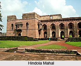 indo islamic architecture in malwa