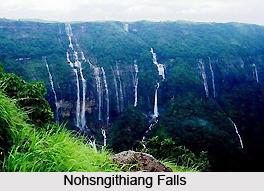 Nohsngithiang Falls, Meghalaya