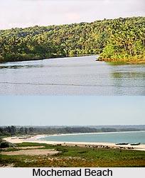 Mochemad Beach, Maharashtra