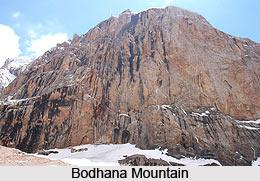 Bodhana, Mountain