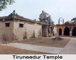 Tiruneedur temple, near Mayiladuturai, Tamil Nadu